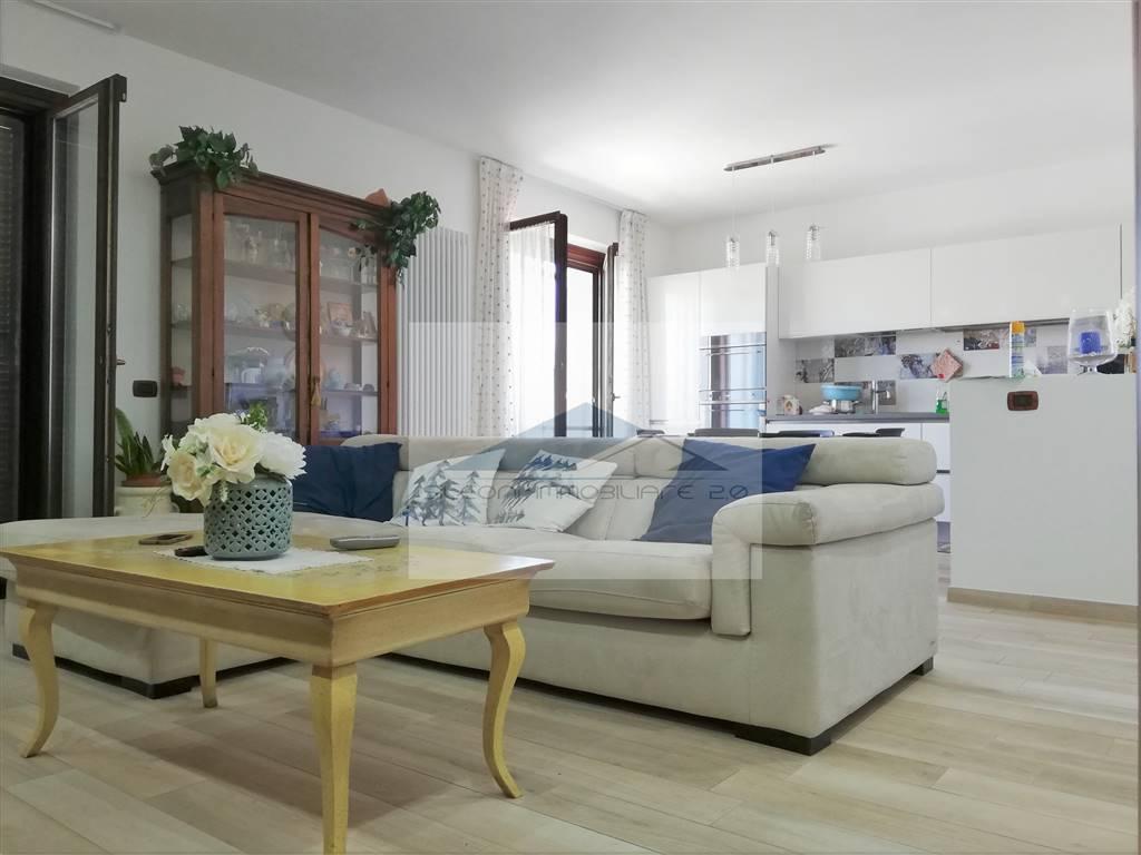 Appartamento in vendita a Loreto, 4 locali, zona Zona: Stazione e Villa Berghigna, prezzo € 195.000 | CambioCasa.it