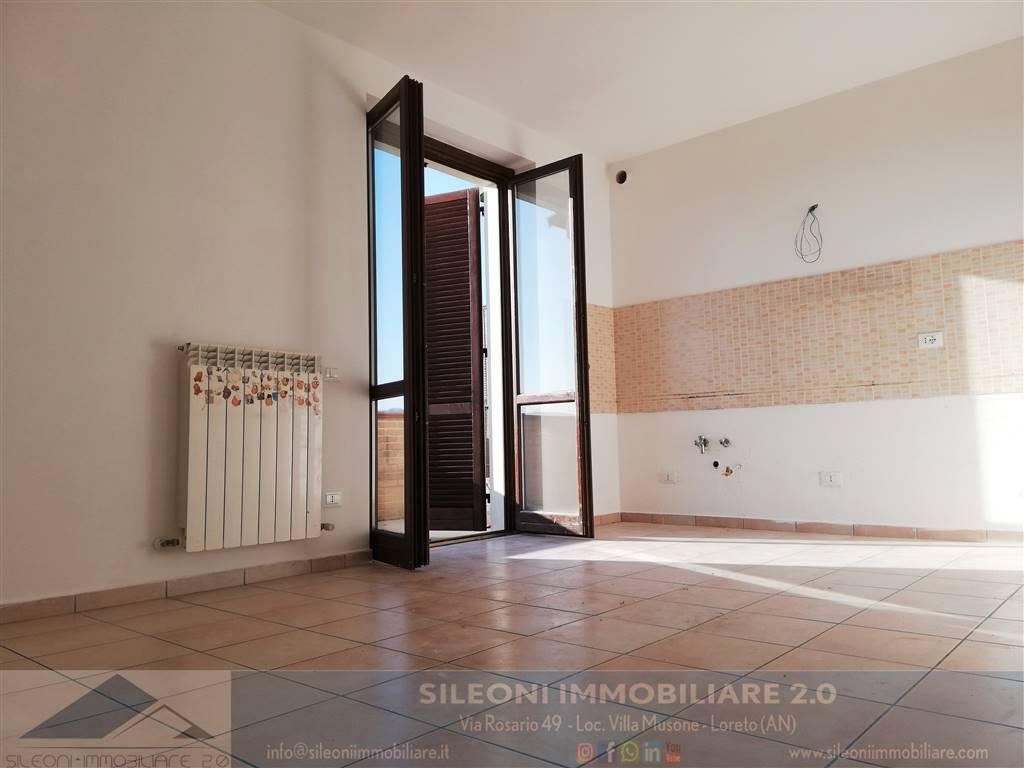 Appartamento in vendita a Castelfidardo, 3 locali, zona Località: ACQUAVIVA, prezzo € 105.000 | PortaleAgenzieImmobiliari.it