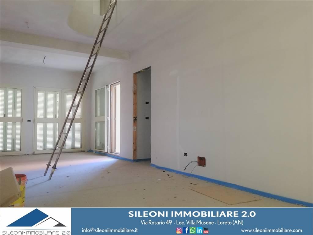 Appartamento in vendita a Loreto, 4 locali, zona Località: MUSONE, prezzo € 185.000 | CambioCasa.it