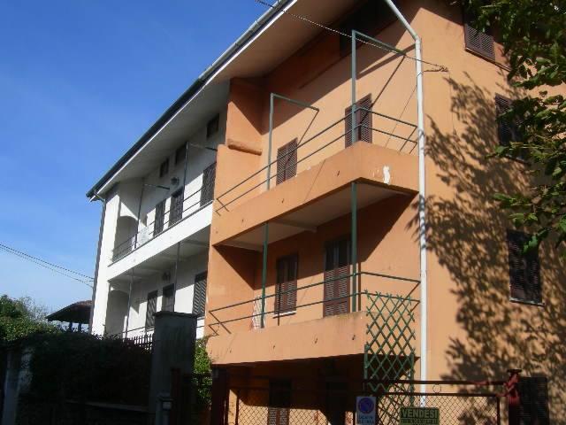 Villa Bifamiliare in vendita a Invorio, 4 locali, prezzo € 95.000   PortaleAgenzieImmobiliari.it