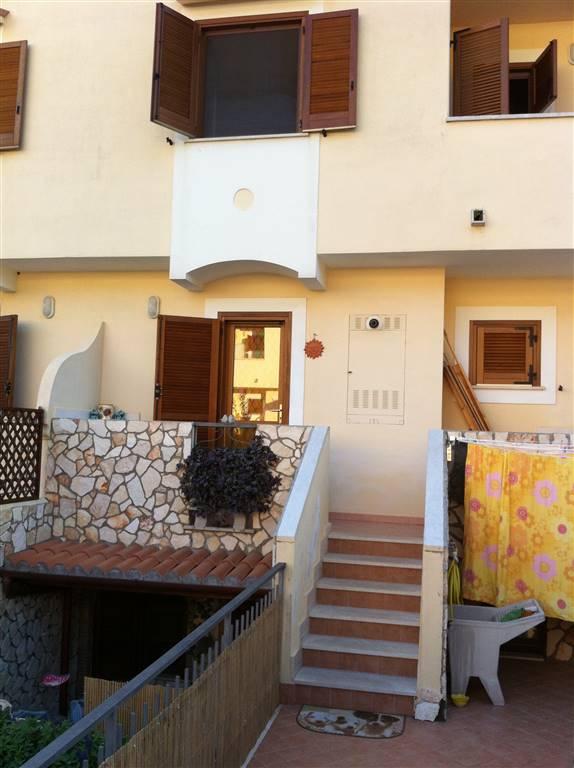 Villa a schiera, Sperlonga, abitabile