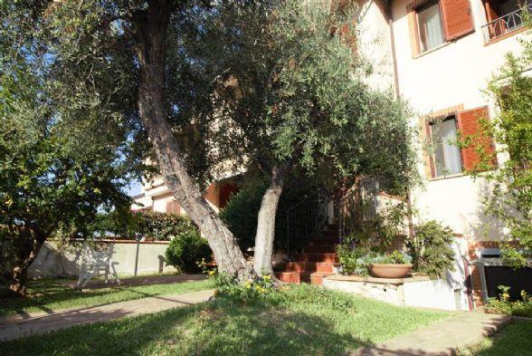 Villa a schiera, Sperlonga