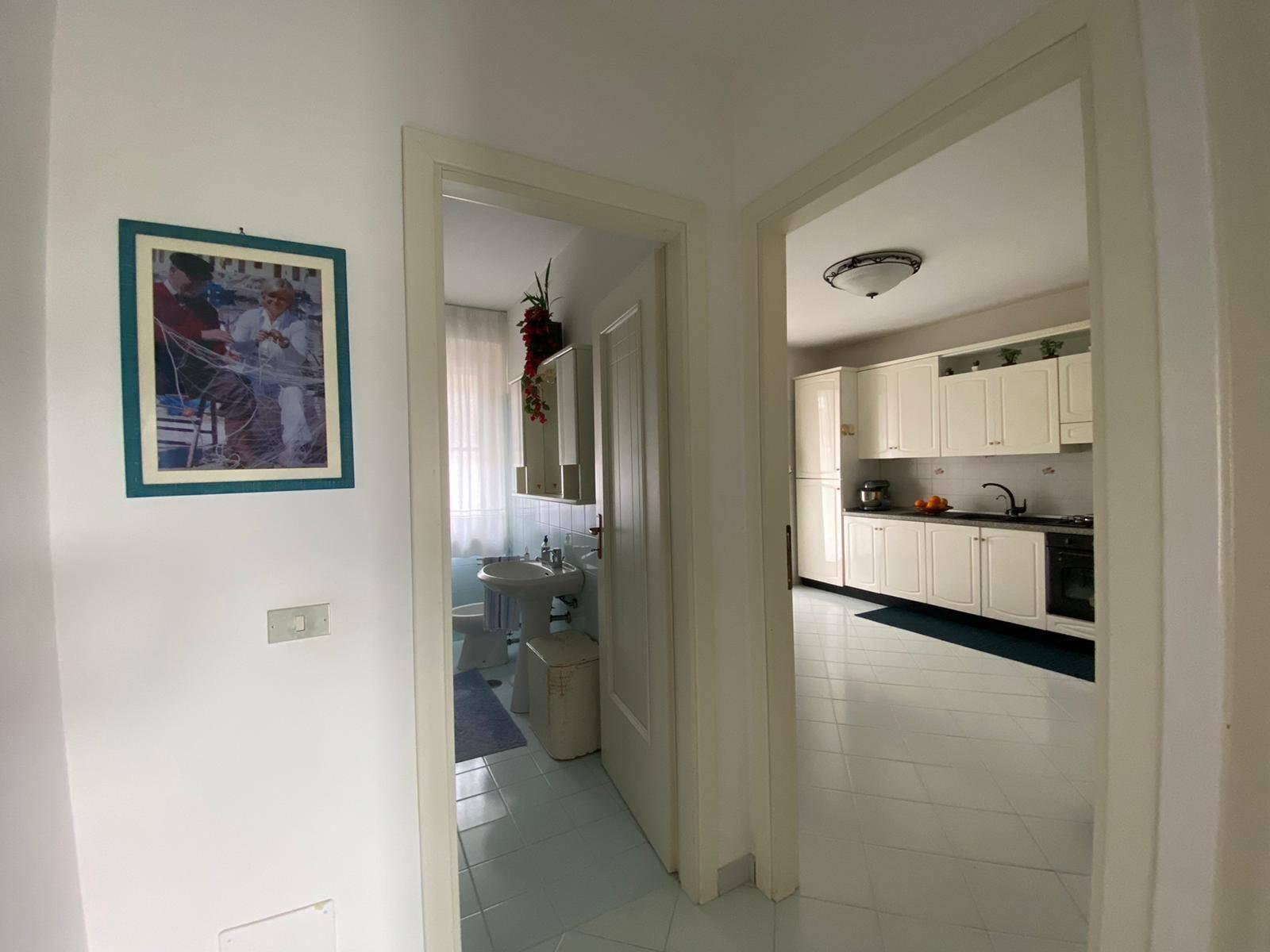 ingresso cucina e bagno