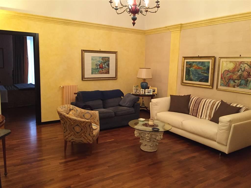 CARRASSI, BARI, Wohnung zu verkaufen von 95 Qm, Renoviert, Heizung Unabhaengig, Energie-klasse: G, Epi: 2 kwh/m2 jahr, am boden 1° auf 2,