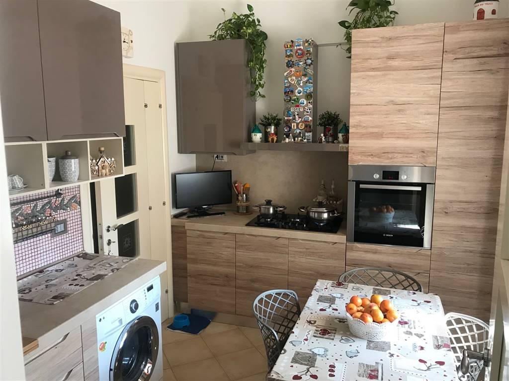 LIBERTÀ, BARI, Wohnung zu verkaufen von 55 Qm, Renoviert, Heizung Unabhaengig, Energie-klasse: G, Epi: 2 kwh/m2 jahr, am boden 4° auf 4,