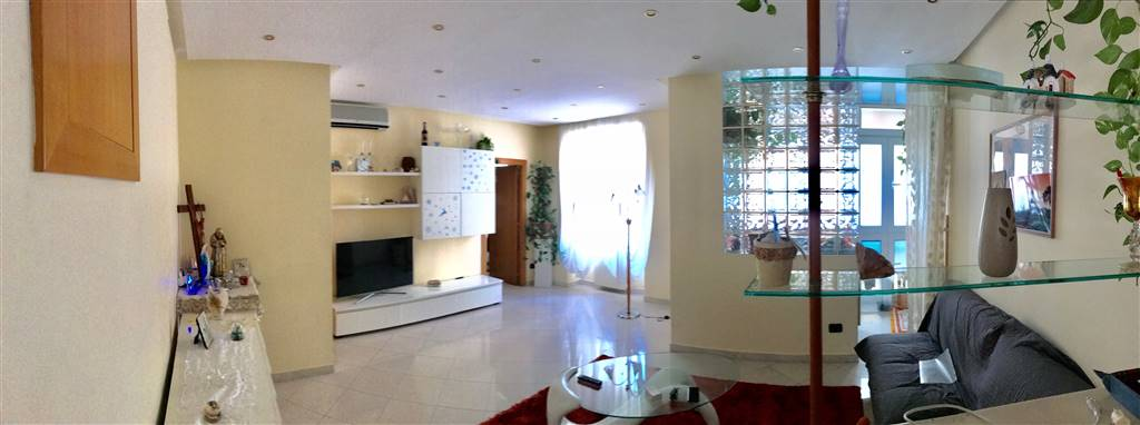 CARRASSI, BARI, Apartment for sale of 90 Sq. mt., Excellent Condition, Heating Individual heating system, Energetic class: G, Epi: 2 kwh/m2 year,