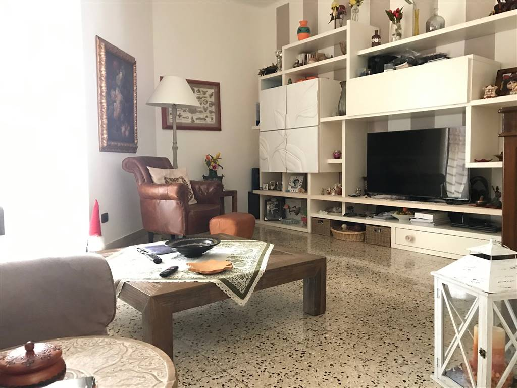 SAN PAOLO, BARI, Apartment for sale of 80 Sq. mt., Good condition, Heating Individual heating system, Energetic class: G, Epi: 2 kwh/m2 year, placed