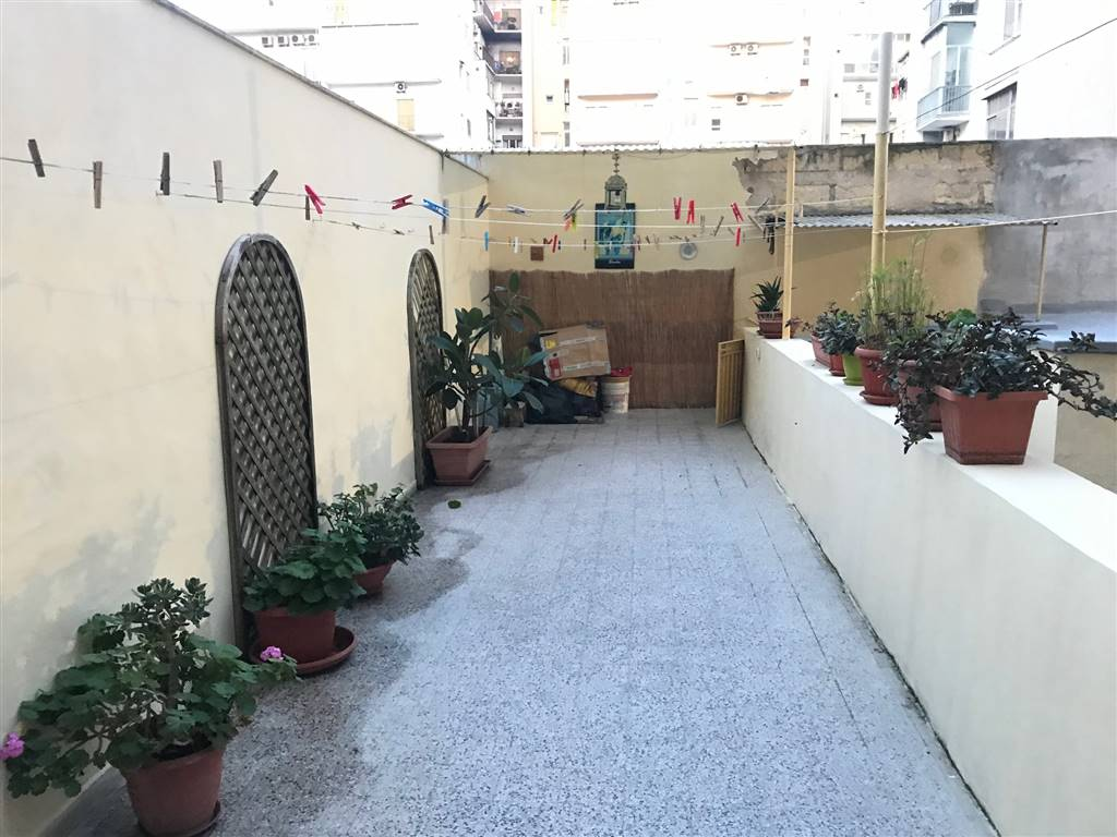 MADONNELLA, BARI, Apartment for sale of 115 Sq. mt., Good condition, Heating Individual heating system, Energetic class: G, Epi: 2 kwh/m2 year,