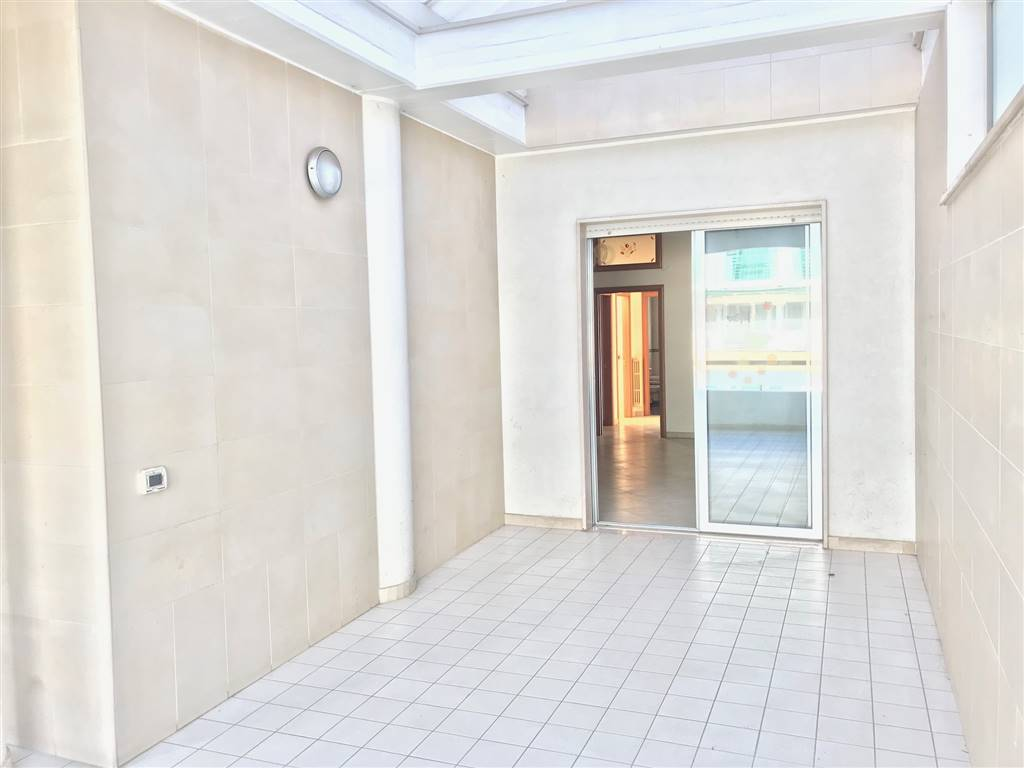 MODUGNO, Apartment for sale of 105 Sq. mt., Good condition, Heating Individual heating system, Energetic class: G, Epi: 2 kwh/m2 year, placed at 2°