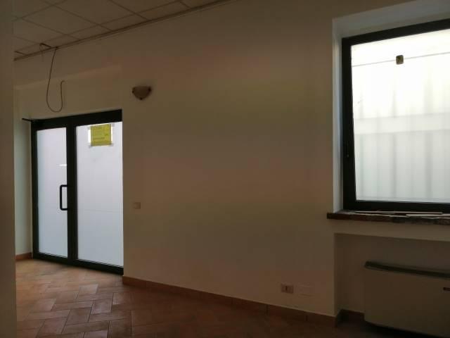 Negozio / Locale in vendita a Cremona, 2 locali, zona Zona: P.zza Risorgimento, prezzo € 85.000 | CambioCasa.it
