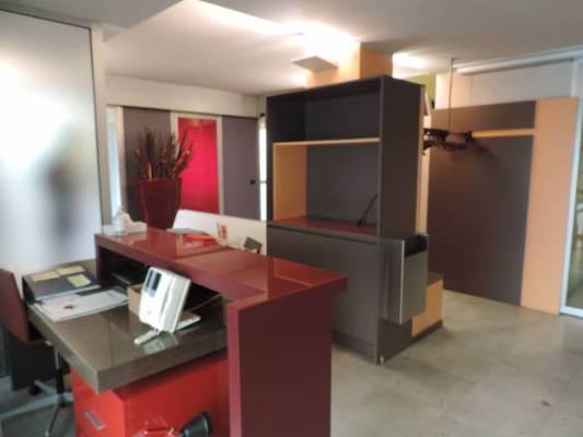 Ufficio / Studio in vendita a Alessandria, 6 locali, zona Zona: Pista Vecchia, prezzo € 250.000 | CambioCasa.it