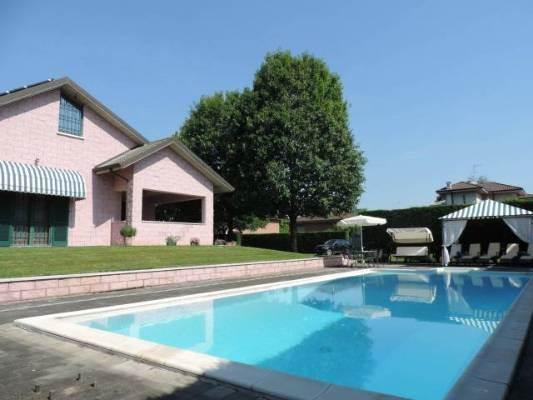Villa, Alessandria, in ottime condizioni