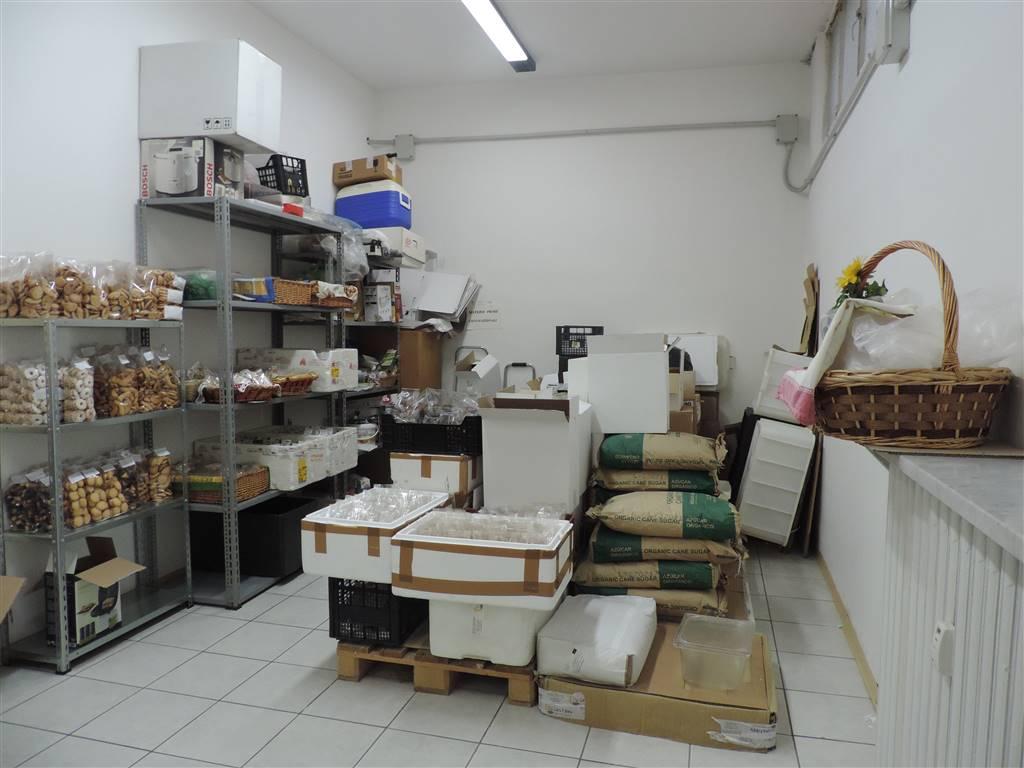 Attività / Licenza in affitto a Alessandria, 9999 locali, zona ro-P.tta della Lega, prezzo € 600 | PortaleAgenzieImmobiliari.it