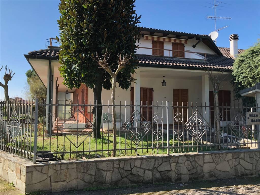 Appartamento in vendita a Pecetto di Valenza, 15 locali, zona Zona: Pellizzari, prezzo € 195.000 | CambioCasa.it