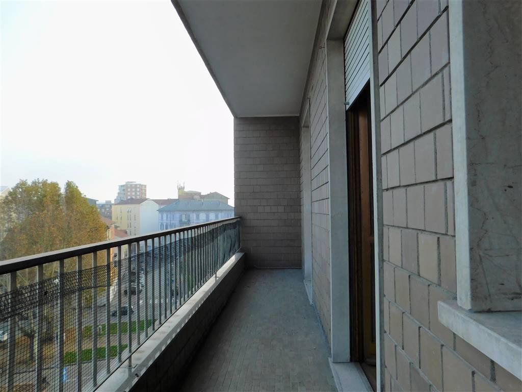 Appartamento in affitto a Alessandria, 6 locali, zona Zona: Centro-P.zza Garibaldi, prezzo € 600 | CambioCasa.it