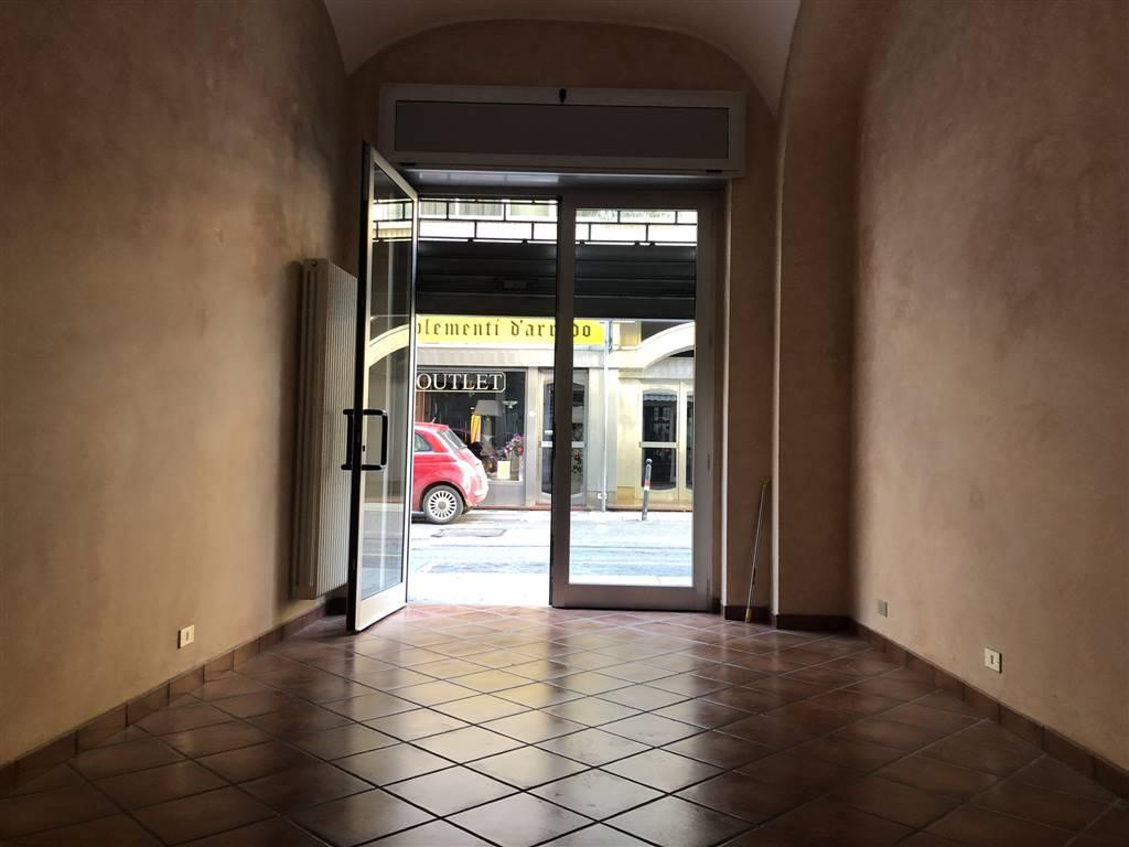 Attività / Licenza in vendita a Alessandria, 3 locali, zona Zona: Centro-P.tta della Lega, prezzo € 50.000 | CambioCasa.it
