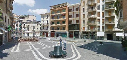 Negozio / Locale in vendita a Cosenza, 9999 locali, zona Località: CENTRO CITTÀ, Trattative riservate   CambioCasa.it