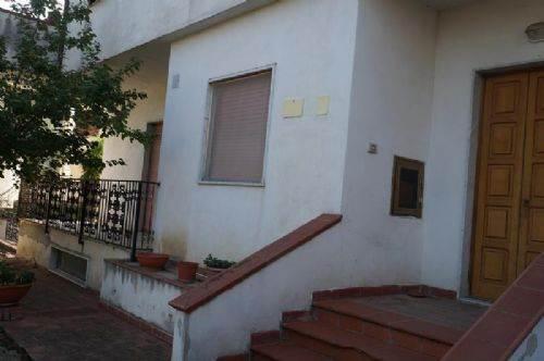 Appartamento in vendita a Rende, 3 locali, zona Località: ARCAVACATA, prezzo € 90.000 | CambioCasa.it