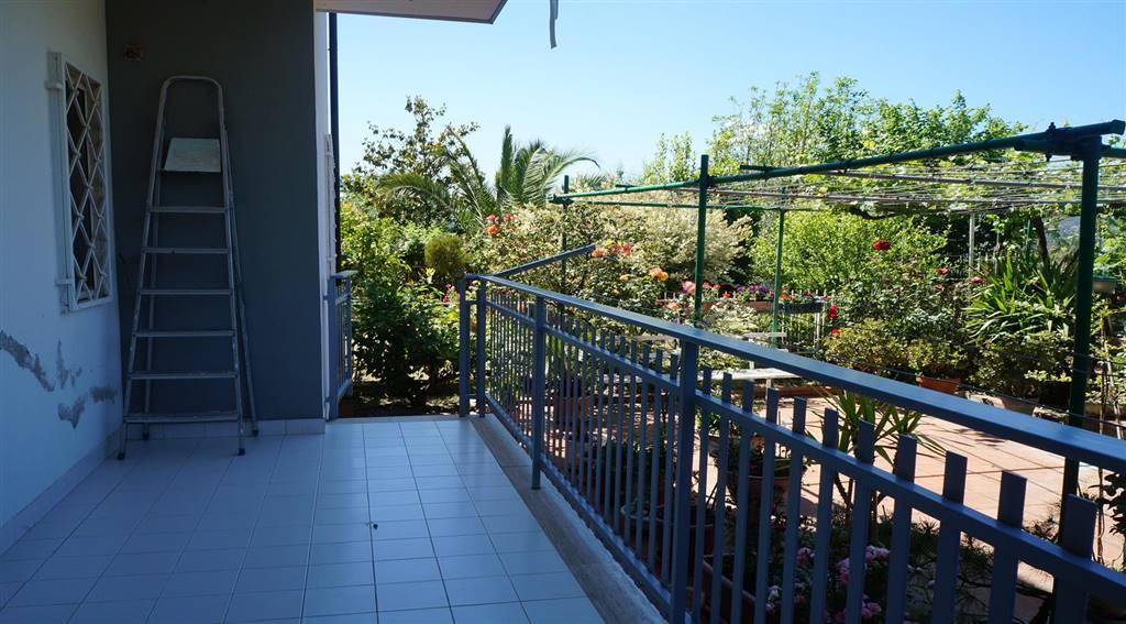 Appartamento in vendita a Castrolibero, 6 locali, zona Località: ANDREOTTA, prezzo € 165.000 | PortaleAgenzieImmobiliari.it