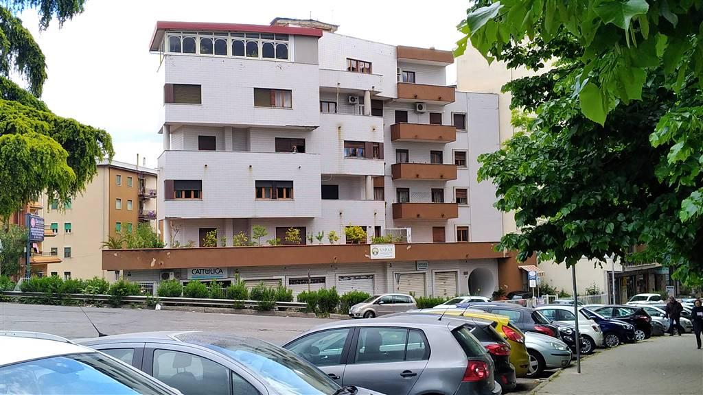 Appartamento in Zona Via Nicola Serra, Cosenza
