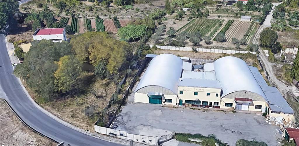 Immobile Commerciale in vendita a Castrolibero, 9999 locali, zona Località: ANDREOTTA, Trattative riservate | CambioCasa.it