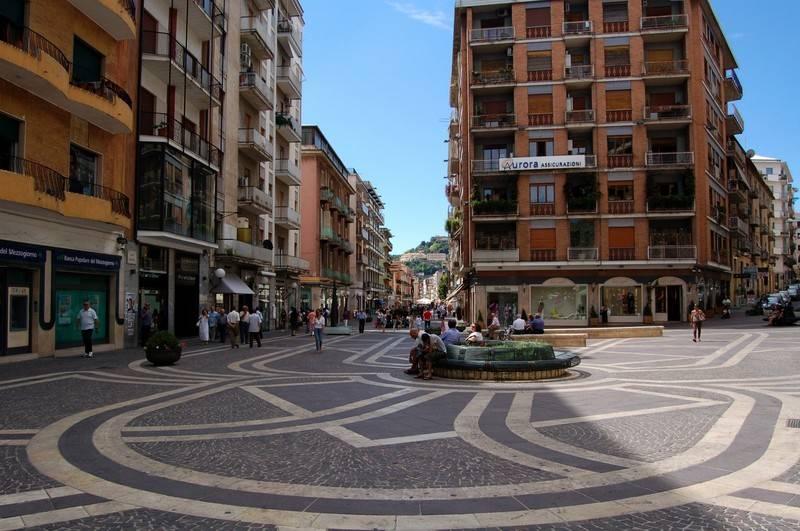 Bar in vendita a Cosenza, 2 locali, zona Località: VIA XXIV MAGGIO, prezzo € 43.000   CambioCasa.it