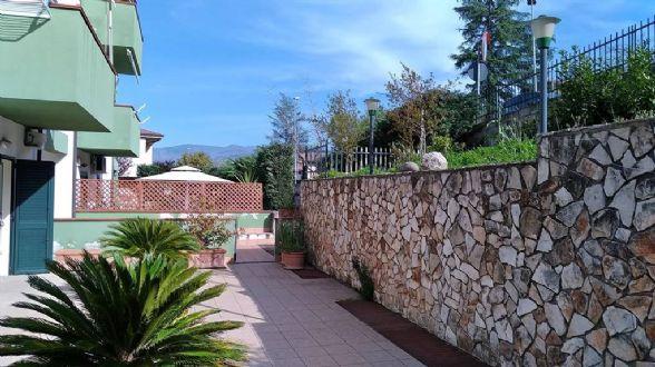 Appartamento in vendita a Montalto Uffugo, 6 locali, zona Località: SETTIMO, prezzo € 155.000 | CambioCasa.it