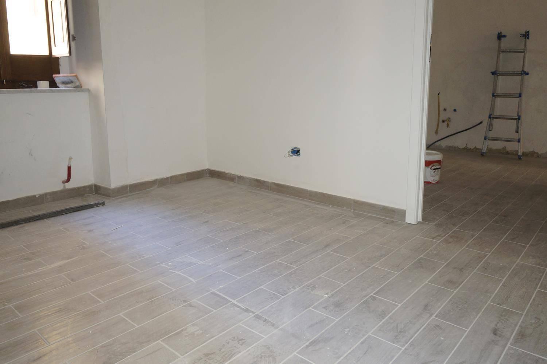 Appartamento in vendita a Cosenza, 3 locali, zona Località: VIA RIVOCATI, prezzo € 59.000 | CambioCasa.it