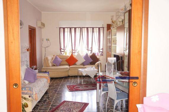Appartamento in vendita a Cosenza, 7 locali, zona Località: VIALE DELLA REPUBBLICA, prezzo € 185.000 | PortaleAgenzieImmobiliari.it