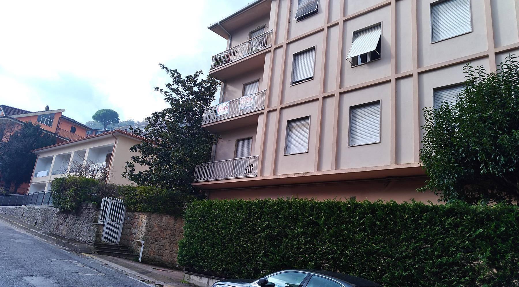 Appartamento in affitto a Mendicino, 5 locali, prezzo € 350   CambioCasa.it