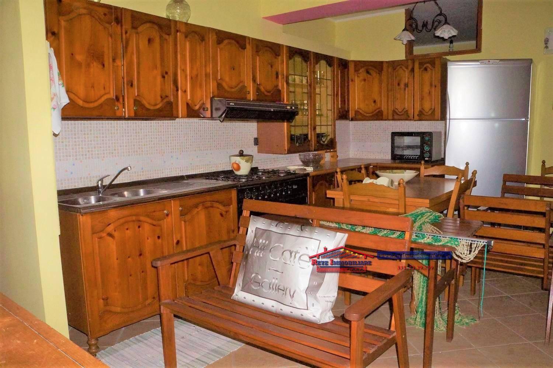 Appartamento in affitto a Falconara Albanese, 4 locali, zona Zona: Torremezzo, prezzo € 1.500 | CambioCasa.it