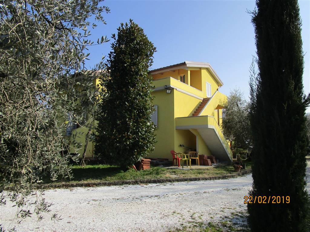 VALDIBRANA, PISTOIA, Villa in vendita di 350 Mq, Buone condizioni, Riscaldamento Autonomo, Classe energetica: G, composto da: 10 Vani, 5 Camere, 3