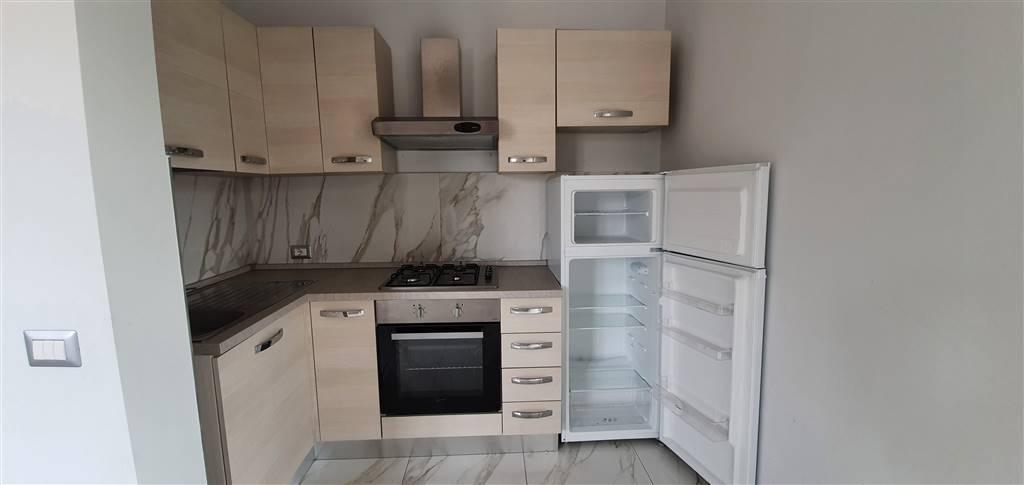 Appartamento in affitto a Frosinone, 4 locali, zona Zona: Centro, prezzo € 480   CambioCasa.it