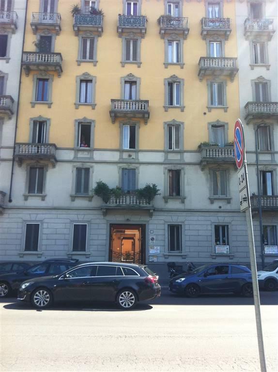 Trilocale in Viale Giovanni Da Cermenate 80, Chiesa Rossa, Cermenate, Ripamonti, Milano