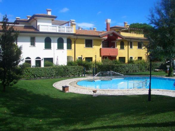 JESOLO Appartamento due camere in residence con piscina Foto 1