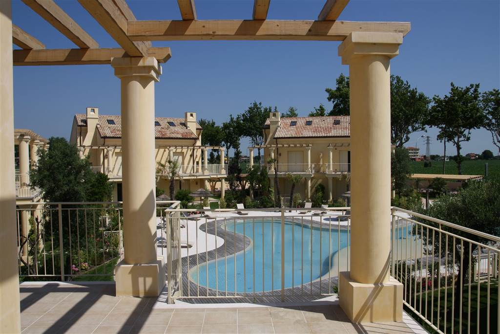 JESOLO Appartamento con piscina e giardino privato Foto 16