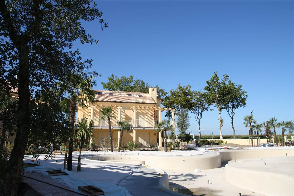JESOLO Appartamento con piscina e giardino privato Foto 7