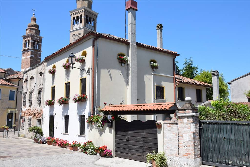 TREPORTI, CAVALLINO TREPORTI, Apartment for sale of 215 Sq. mt., Restored, Heating Individual heating system, Energetic class: D, placed at Ground,