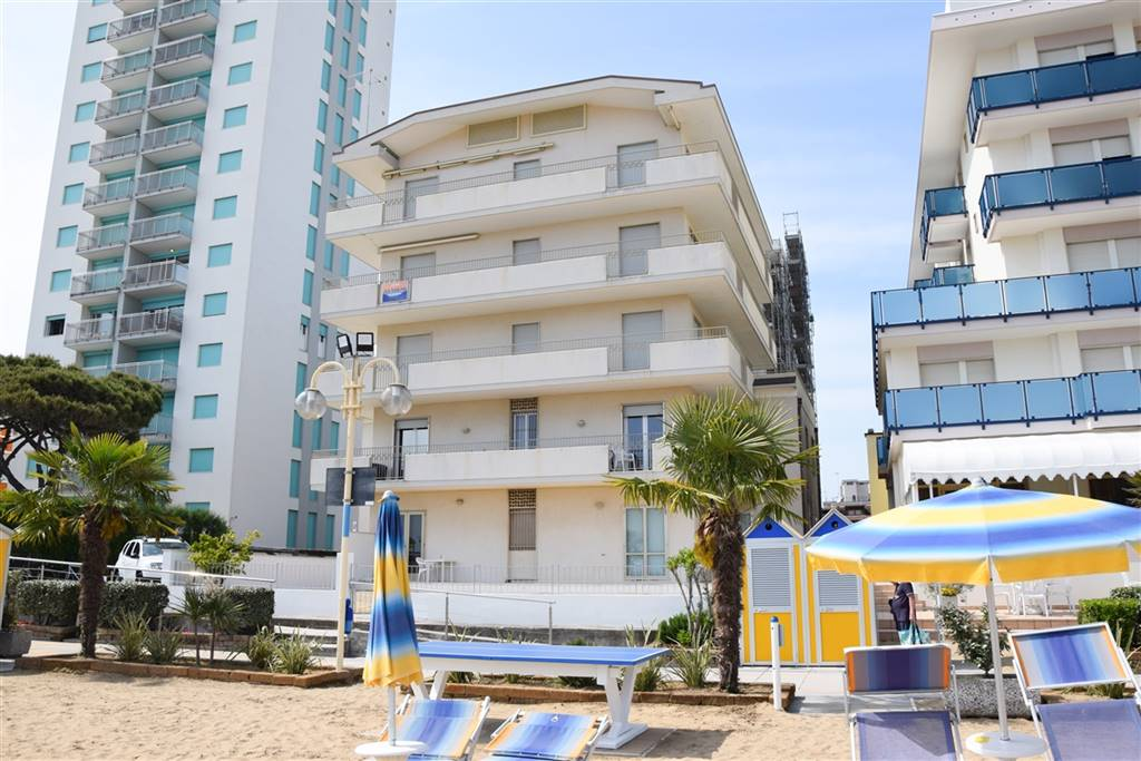 LIDO DI JESOLO, JESOLO, Apartment for sale of 165 Sq. mt., Energetic class: E, placed at 3° on 5, composed by: 8 Rooms, , 4 Bedrooms, 2 Bathrooms,