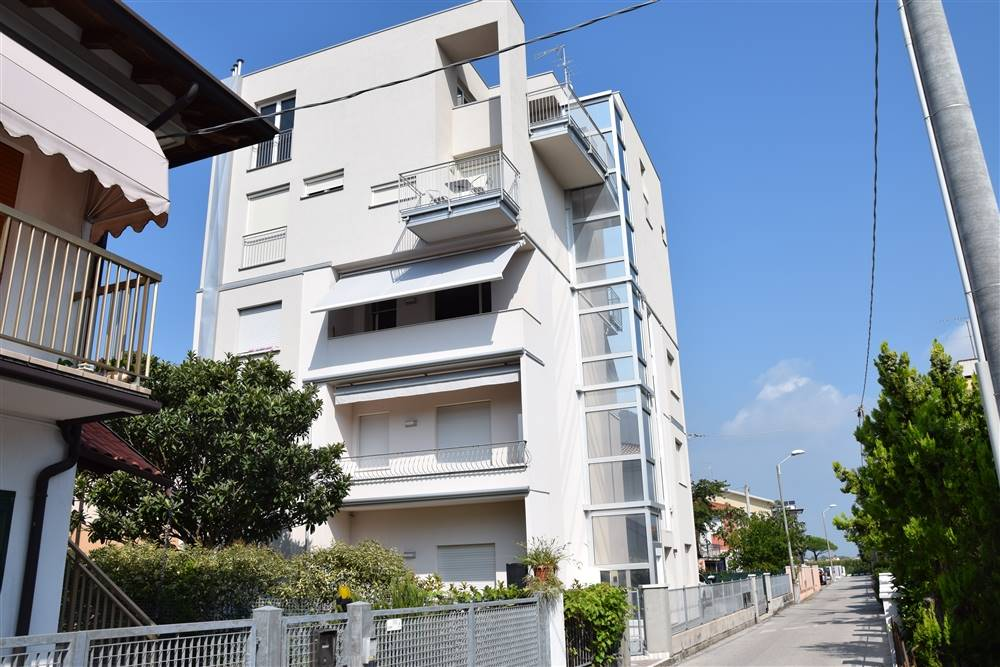 LIDO DI JESOLO, JESOLO, Penthouse for sale of 110 Sq. mt., New construction, Heating Individual heating system, Energetic class: A4, placed at 4° on
