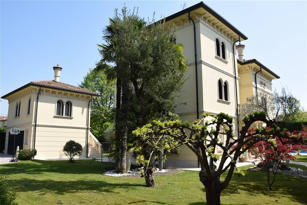 CHIARANO Villa con piscina e annessi Foto 2