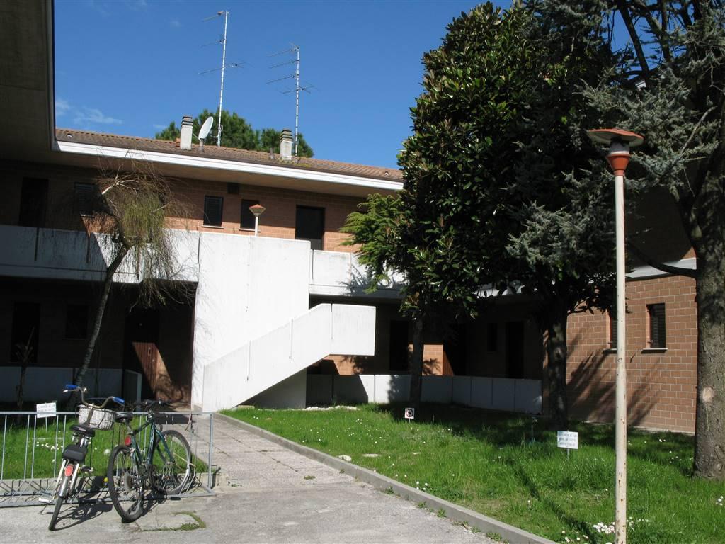 LIDO DI JESOLO, JESOLO, Wohnung zu verkaufen von 42 Qm, Gutem, Heizung Unabhaengig, Energie-klasse: D, am boden Land, zusammengestellt von: 4 Raume,