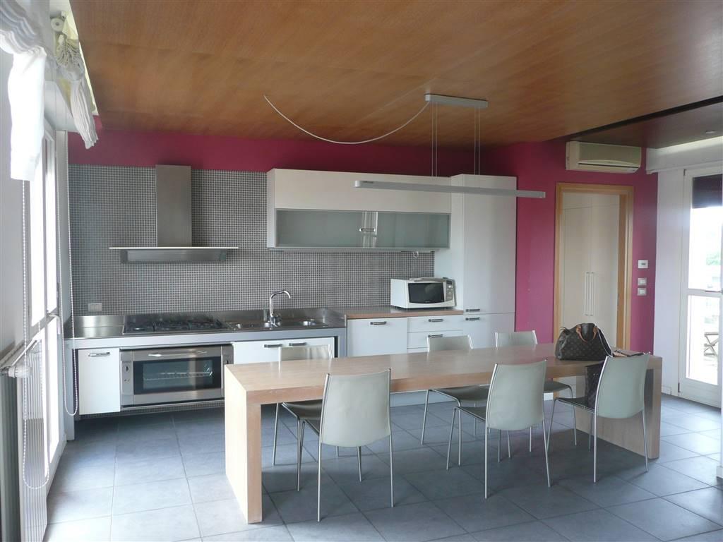 JESOLO PAESE, JESOLO, Wohnung zu verkaufen von 160 Qm, Energie-klasse: C, am boden 3°, zusammengestellt von: 6 Raume, 2 Zimmer, 2 Baeder, Single Box,