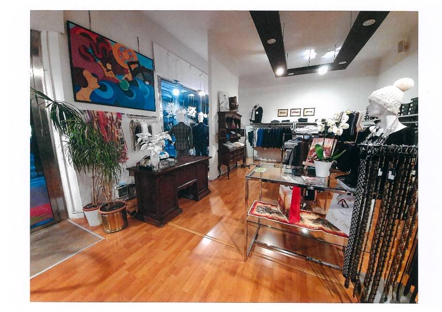 LIDO DI JESOLO, JESOLO, Shop for sale of 100 Sq. mt., Energetic class: A1, placed at Ground, composed by: 4 Rooms, 1 Bathroom, Reserved