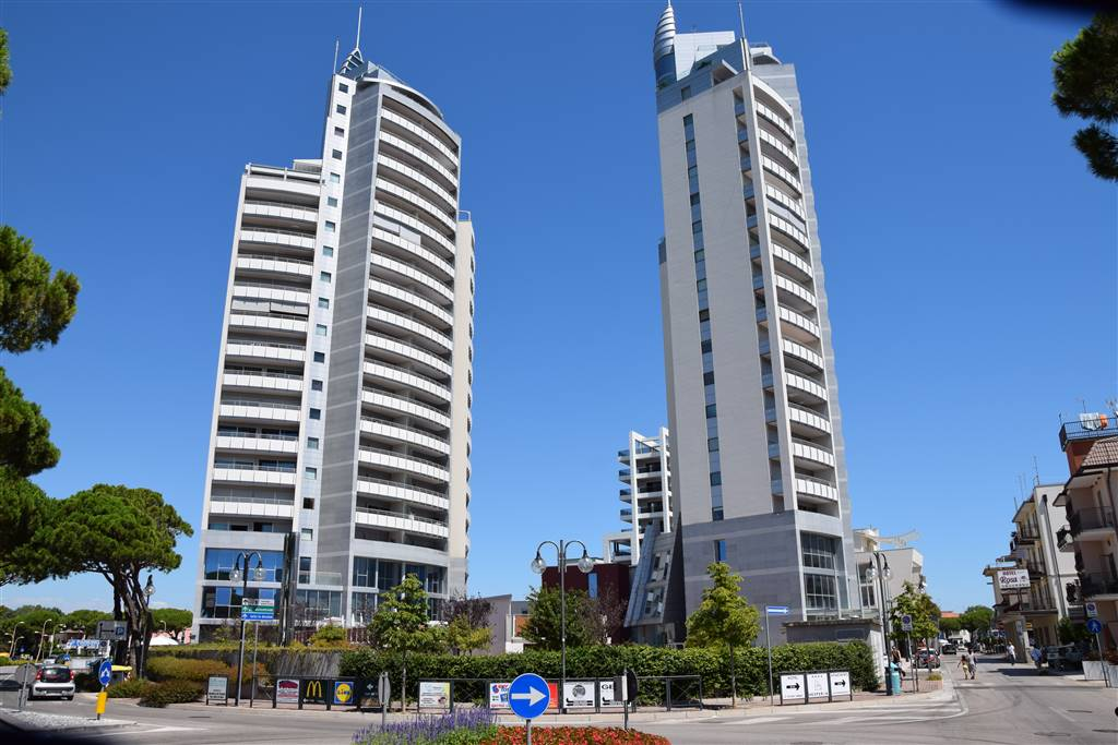 LIDO DI JESOLO, JESOLO, Apartment for sale of 115 Sq. mt., Excellent Condition, Heating Individual heating system, Energetic class: A1, placed at 9°,