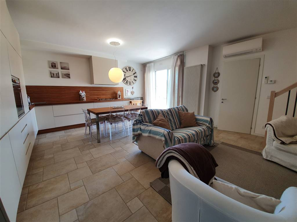 LIDO DI JESOLO, JESOLO, Apartment for sale of 66 Sq. mt., Good condition, Energetic class: D, composed by: 4 Rooms, Show cooking, 1 Bedroom, 2