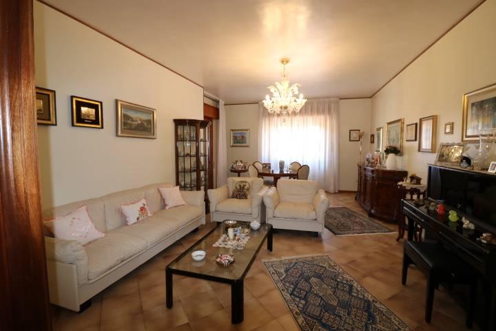 Appartamento in Via Caserta  56, Erice