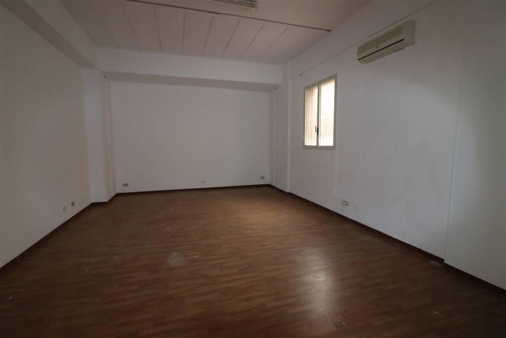 Ufficio / Studio in vendita a Trapani, 4 locali, zona Zona: Semi periferia, prezzo € 120.000   CambioCasa.it