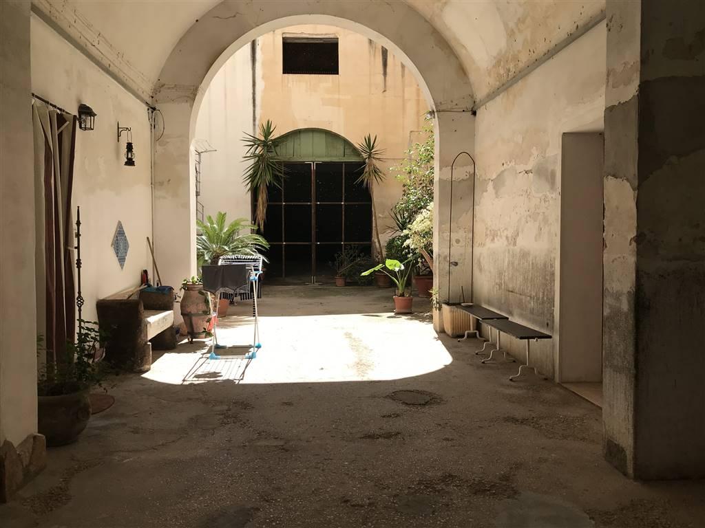 Trilocale in Via Salvatore Lo Nero 39, Zona Pregiata, Trapani
