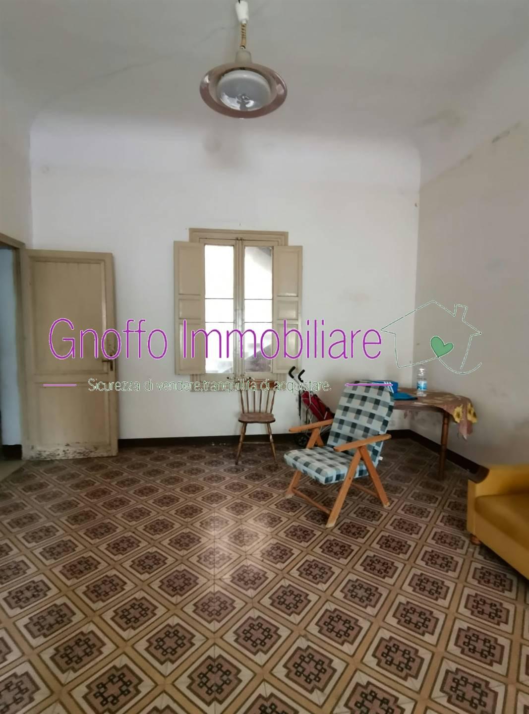 Soluzione Indipendente in vendita a Trapani, 9 locali, zona Zona: Zona pregiata, prezzo € 110.000 | CambioCasa.it